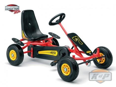 Binky F es un resistente coche a pedales. Berg Go Kart